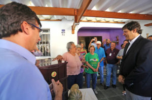 Alcalde de Sao Paulo entrega primera compostera