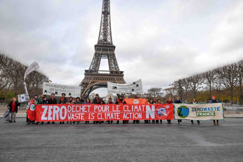 "The Zero Waste ""Red Line"" at the Eiffel Tower on the final day of COP21"